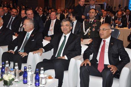 Cumhurbaşkanı Gül, Promterin Azizliğine Uğradı