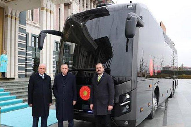 BMC'den Erdoğan'a hediye otobüs