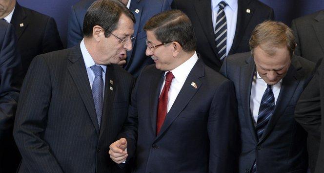 Davutoğlu, AB liderleriyle aile fotoğrafı çekimine katıldı