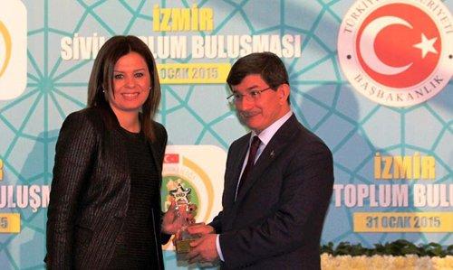 Davutoğlu İzmir iş dünyasıyla buluştu