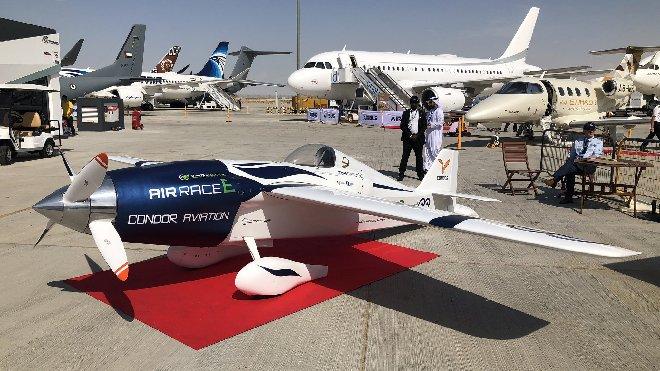 Dubai Airshow'da ilk sipariş