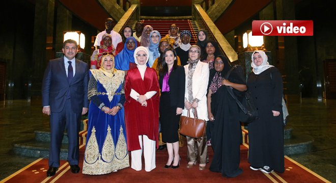Emine Erdoğan Afrikalı sanatçılarını kabul etti video
