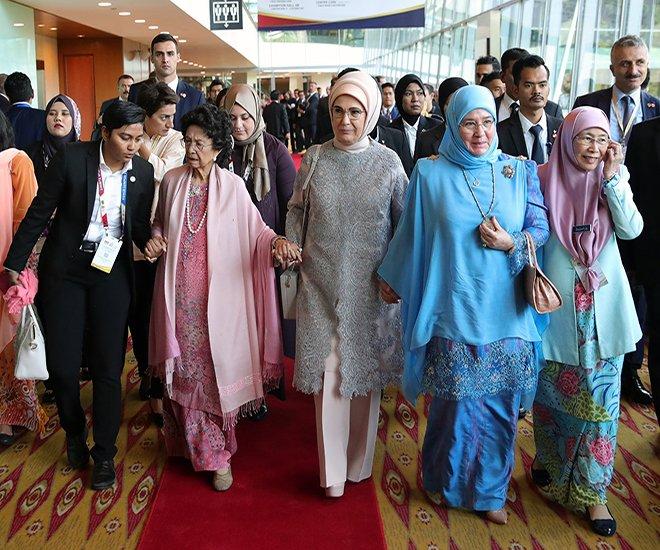 Emine Erdoğan Kuala Lumpur Zirvesin'de