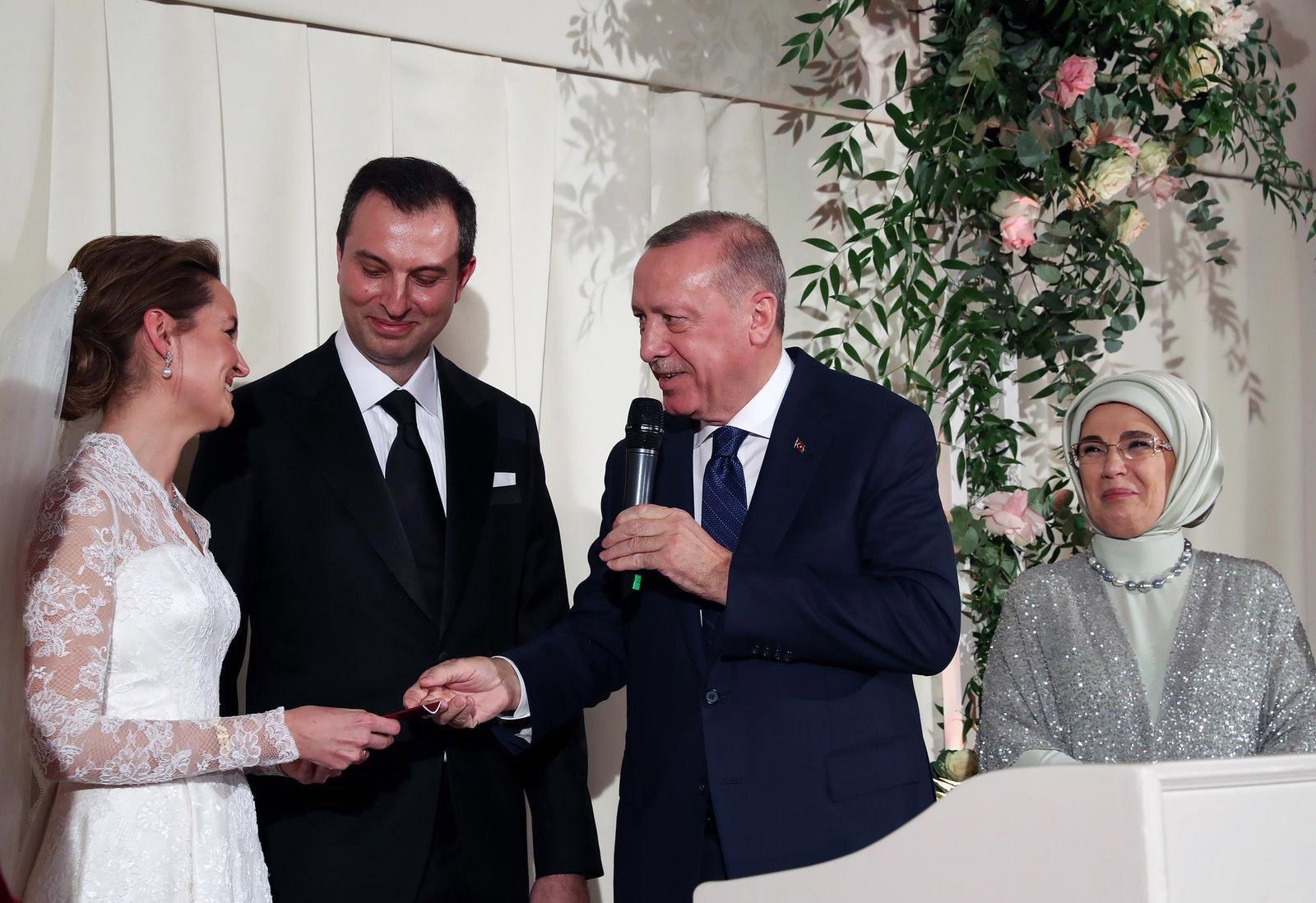 Emine Erdogan Nikah şahitliği yaptı