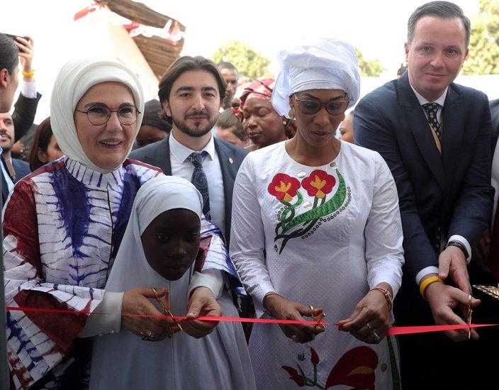 Emine Erdoğan Senegal'de rehabilitasyon merkezi açtı