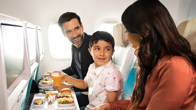 Emirates, Wi-Fi ve En İyi Yiyecek & İçecek ödüllerini kazandı