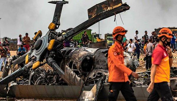 Endonezya'da helikopter kazası: 4 ölü, 5 yaralı