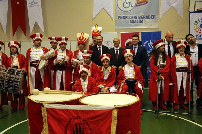 ENGELLERİ BERABER AŞTILAR