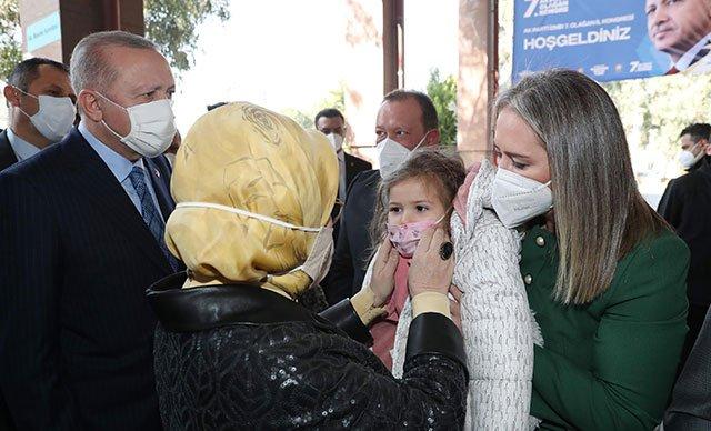 Erdoğan çifti, Ayda bebek ve ailesiyle bir araya geldi(video)