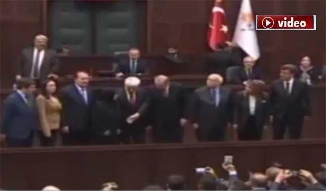 Erdoğan'la tokalaşmadı!video