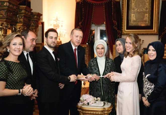 Erdoğan ve Eşi Emine Erdoğan Nişan Yüzüğü Taktı!
