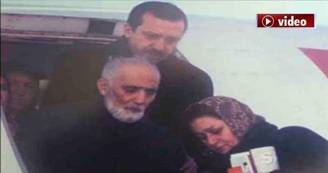 Erdoğan'ın anne ve babasıyla tarihi fotoğrafı!