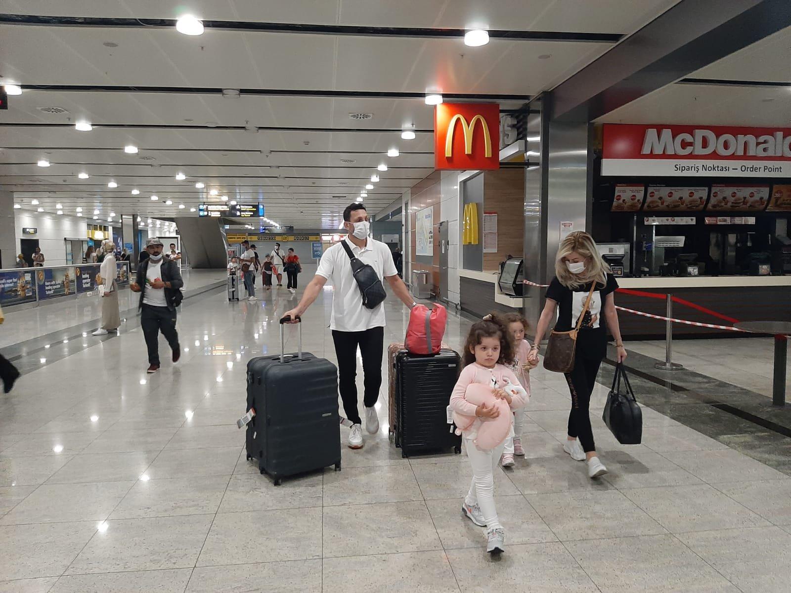 Erol Bulut'un Eşine uçakta sağlık sorunu yaşadı