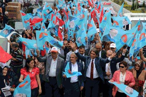 Fatihliler,Erdoğan'a destek vermek için yürüdü.