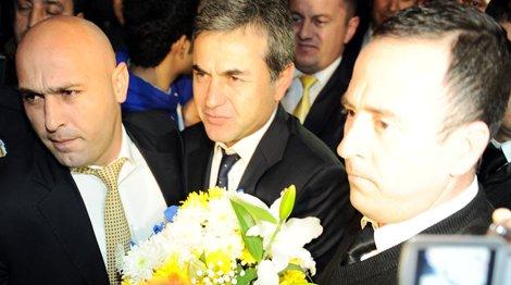 Fenerbahçe, hazırlık kampı için Antalya'ya geldi.