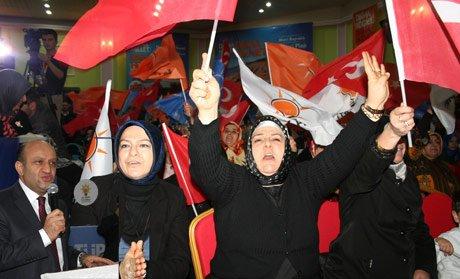 Fikri Işık,AK Parti hizmet partisidir.