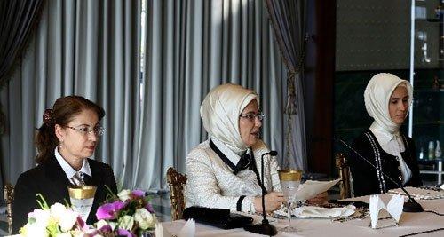 First Lady'den 'kadın ve çocuk' mesajı
