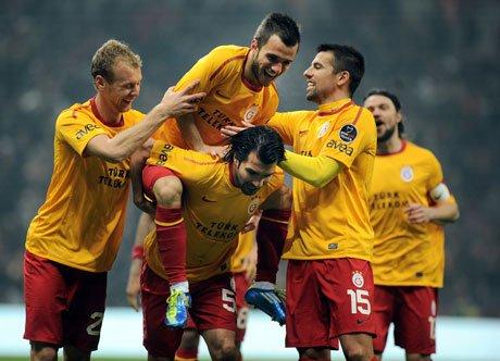 Galatasaray İBB'yi 2-1'le Geçti!