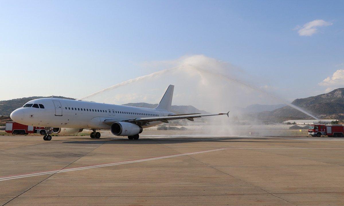 Gazipaşa-Alanya Avion Express'in ilk seferini karşıladı