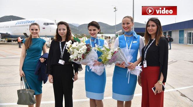 Gazipaşa Havalimanı'nda  Rus uçağına görkemli karışlama