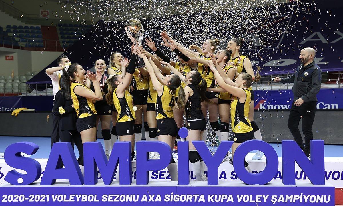 VakıfBank, yedinci kez Kupa Voley şampiyonu(video)