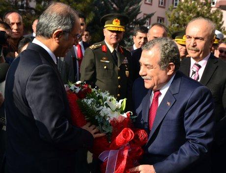 Bakan Güler,görevini Ala'ya devretti.