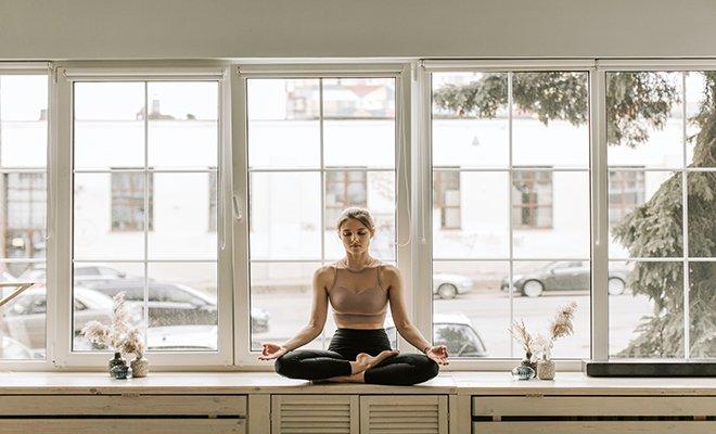 Günün Farklı Saatlerinde ve Farklı Seviyelere Uygun Online Yoga