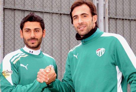 Aslantaş, 2.5 yıllık sözleşmeye imza attı.