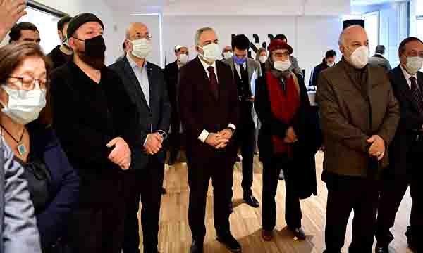 'Hat Sanatının Zarif Kalemi Ali Alparslan' sergisi açıldı