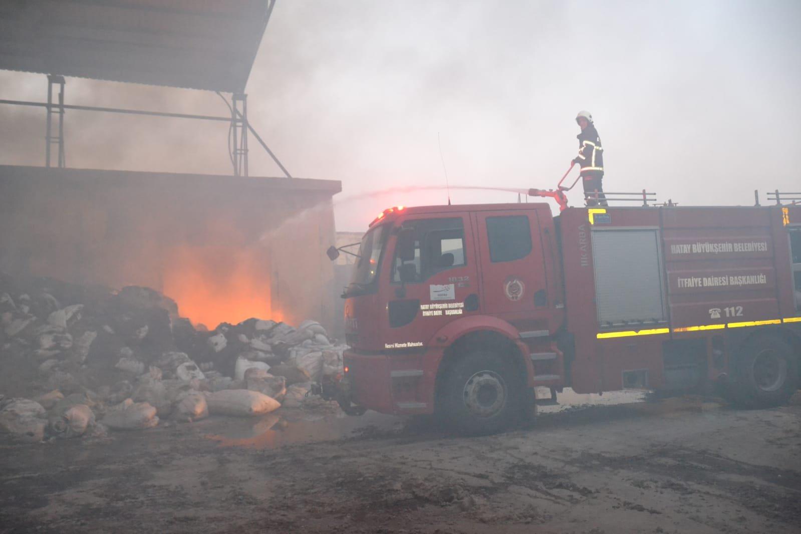 Hatay'da çırçır fabrikası yangını