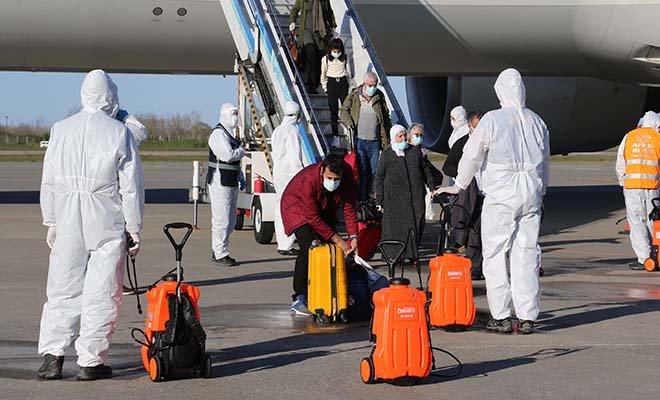 Hollanda'dan 346 Türk vatandaşı Samsun'a getirildi