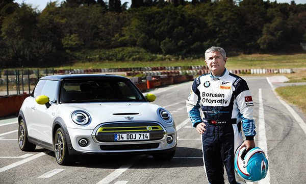 İbrahim Okyay,MINI ELECTRIC'i Pistte Test Etti