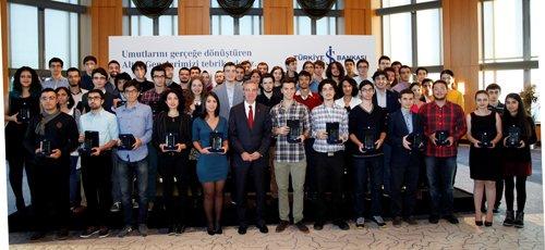 İş Bankası 90 Altın Genci ödüllendirdi