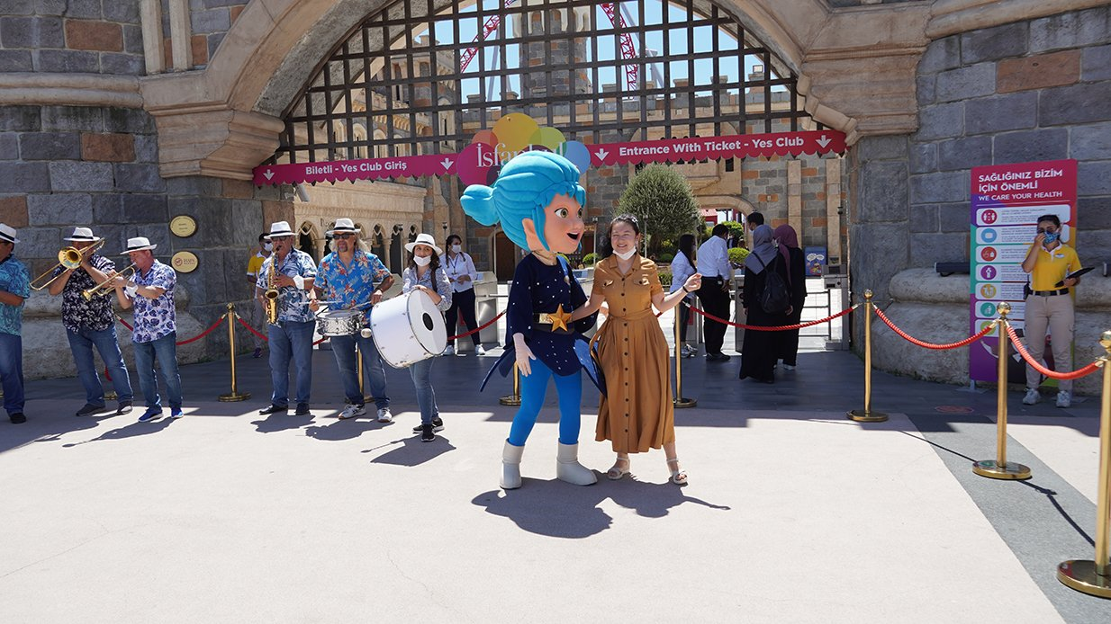 İsfanbul Tema Park'ta bayram sevinci şenliğe dönüştü