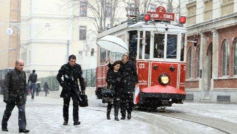 İstanbul'da okullar 1 gün tatil edildi