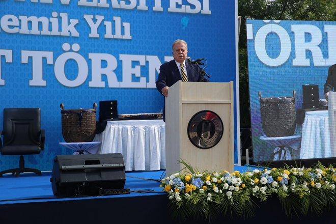 İstanbul Okan Üniversitesi'nde mezuniyet sevinci