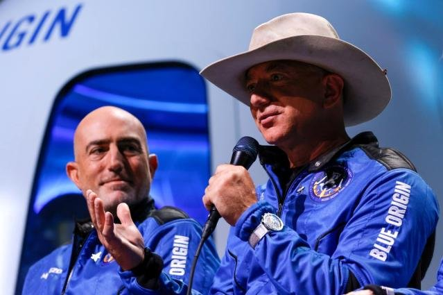 Jeff Bezos'tan NASA'ya Ay'a astronot indirecek uzay aracı için 2 milyar dolarlık teklif