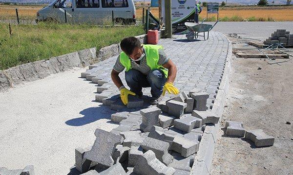 Kaldırım Taşlarında Yenileme Çalışmaları Sürüyor