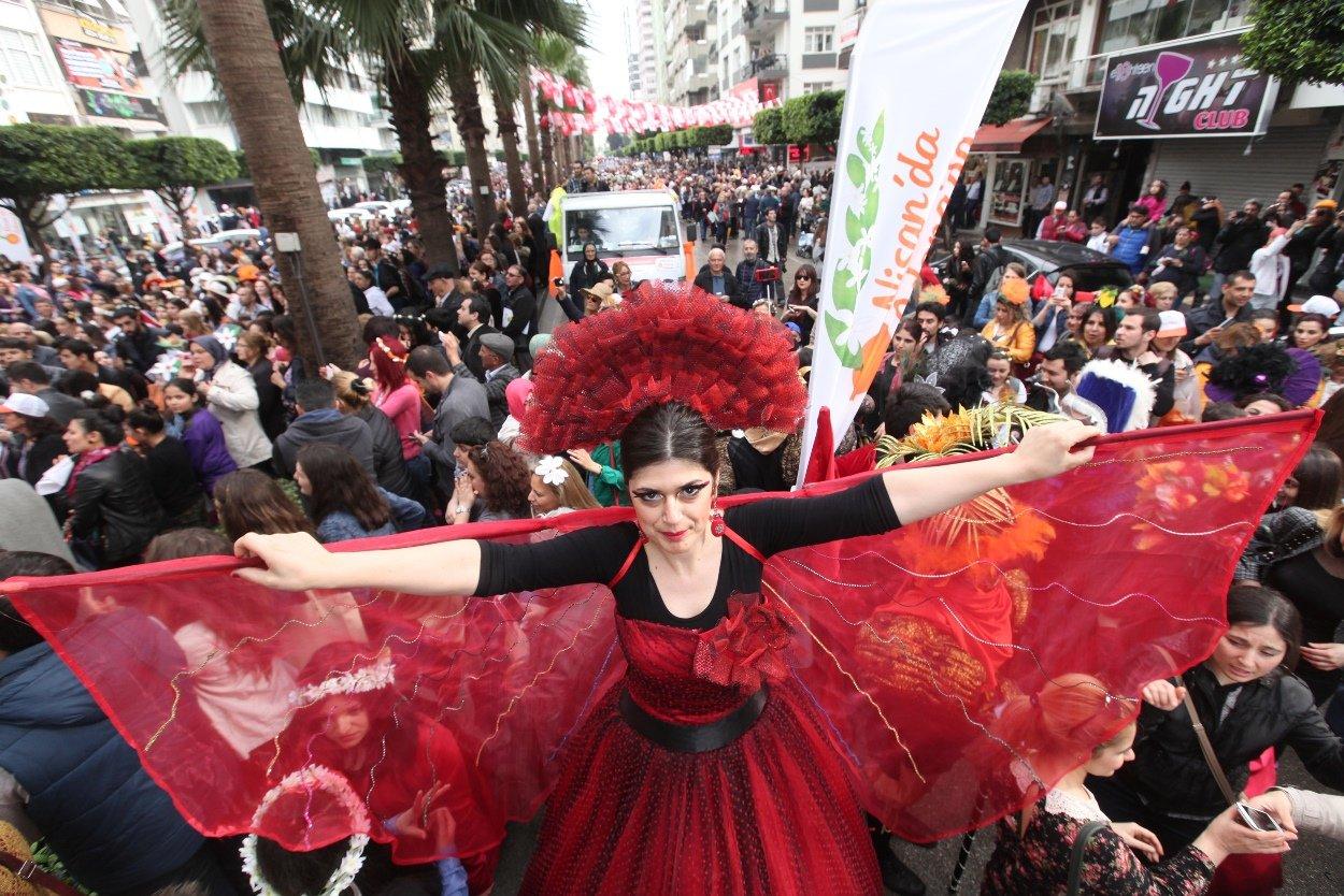 Karnaval Adana Ekonomisini Coşturacak