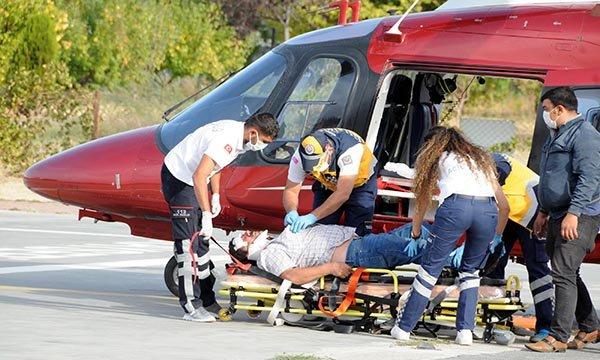 Kazada yaralanan sürücü, ambulans helikopterle sevk edildi