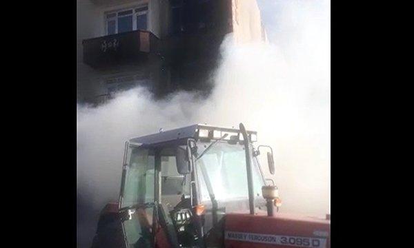 Kırıkkale'de midibüste çıkan yangın, 2 daireye sıçradı