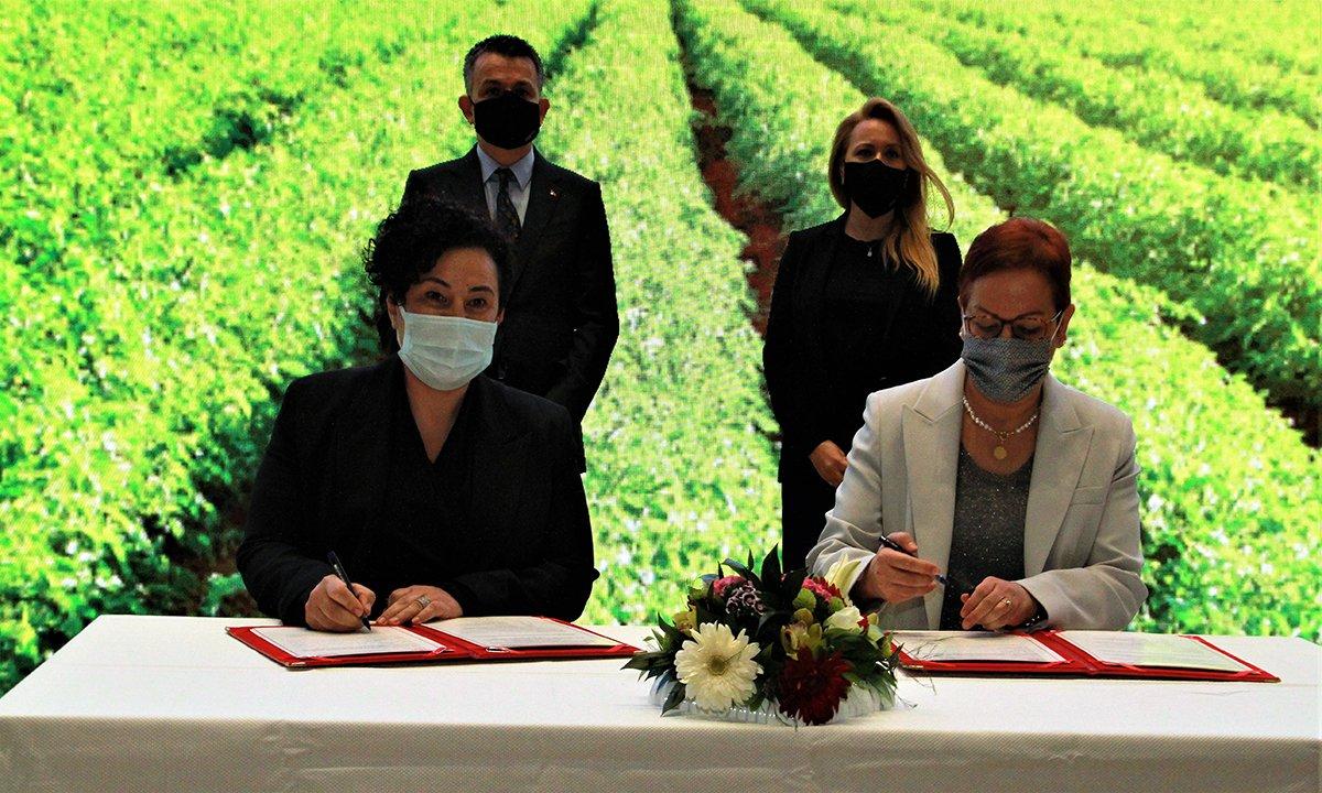 Kız Kardeşim Projesi 2021'de kırsalda kadın çiftçiler