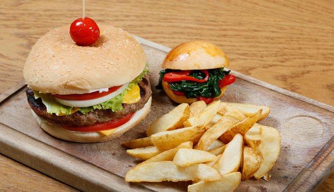 """""""Köşebaşı"""" kalitesinde hamburger, Beylikdüzü'nde"""