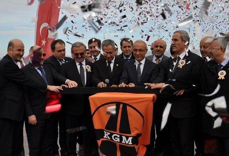 Lütfi Elvan,Bursa'ya 3 milyar Türk Lirası yatırım yaptık