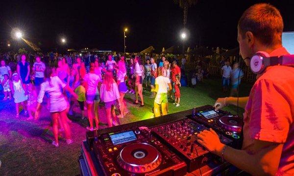 Mahmut Görgen: Kızların DJ'lere güveni yok!