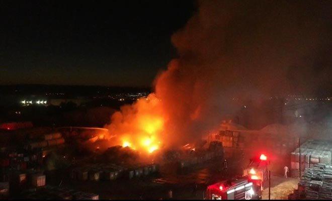 Manisa OSB'de fabrika yangını