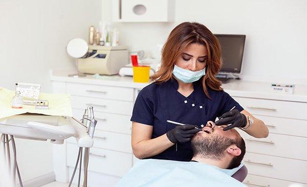 Maskeler, diş tedavisinde kamuflaj oldu