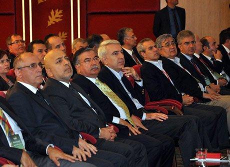 Milli Savunma Bakanı İsmet Yılmaz Bolu'da