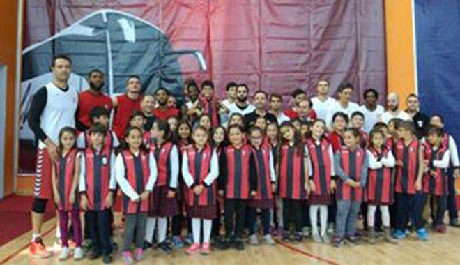 Minik öğrencilerden Muratbey Uşak'a ziyaret