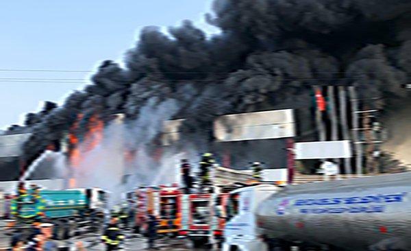 Mobilya fabrikasındaki yangın, 4 saatte söndürüldü
